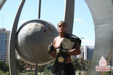 """Lutador amazonense Alan """"Nuguette"""" estreia no UFC (Divulgação)"""