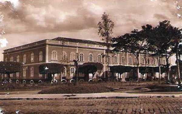 Foto do Palacete Provincial em Manaus, residência dos presidentes da província.