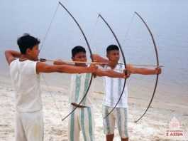 Guerreiros Kambebas com Arco e Flecha