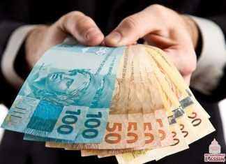 Ganhar dinheiro usando as horas de folga para realizar serviços para terceiros pode ajudar no orçamento familiar