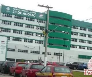 Protesto de servidores da saúde interdita Avenida Mário Ypiranga em Manaus