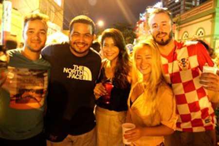 Estrangeiros curtem noite em Manaus e falam bem da cidade (Foto: João Paulo Maia)