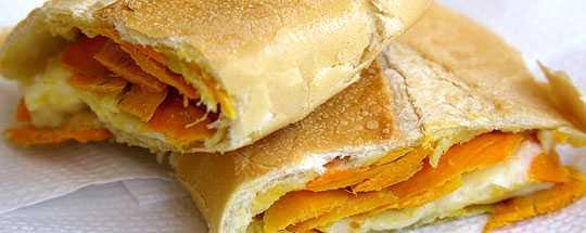 Pão com Tucumã