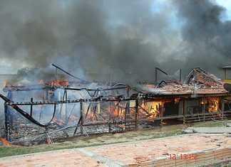 Casa foi destruída pelo fogo em Coari