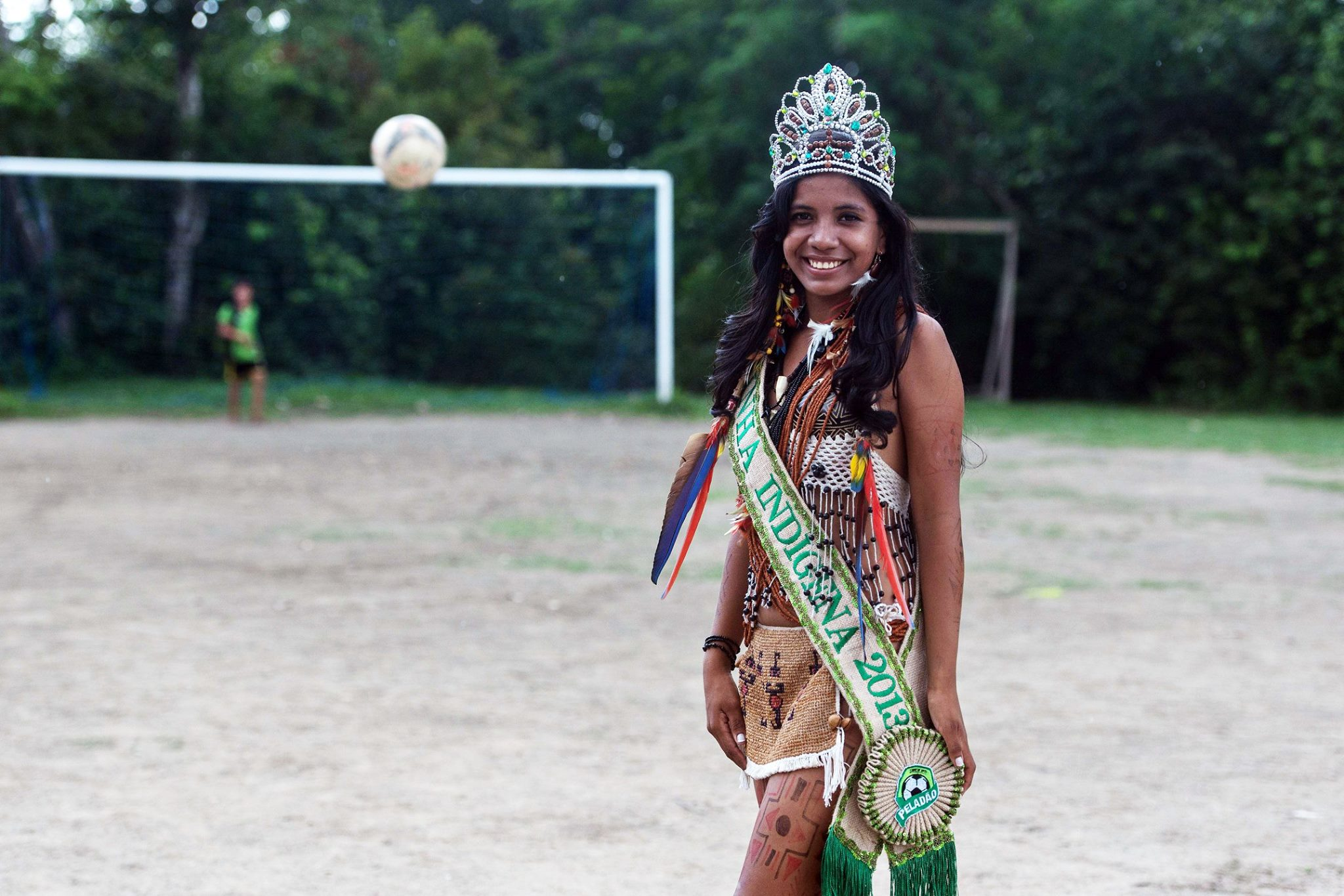 Suellen (18 anos), RAINHA INDÍGENA DO PELADÃO,