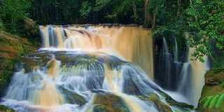 Conheça a Cachoeira do Santuário