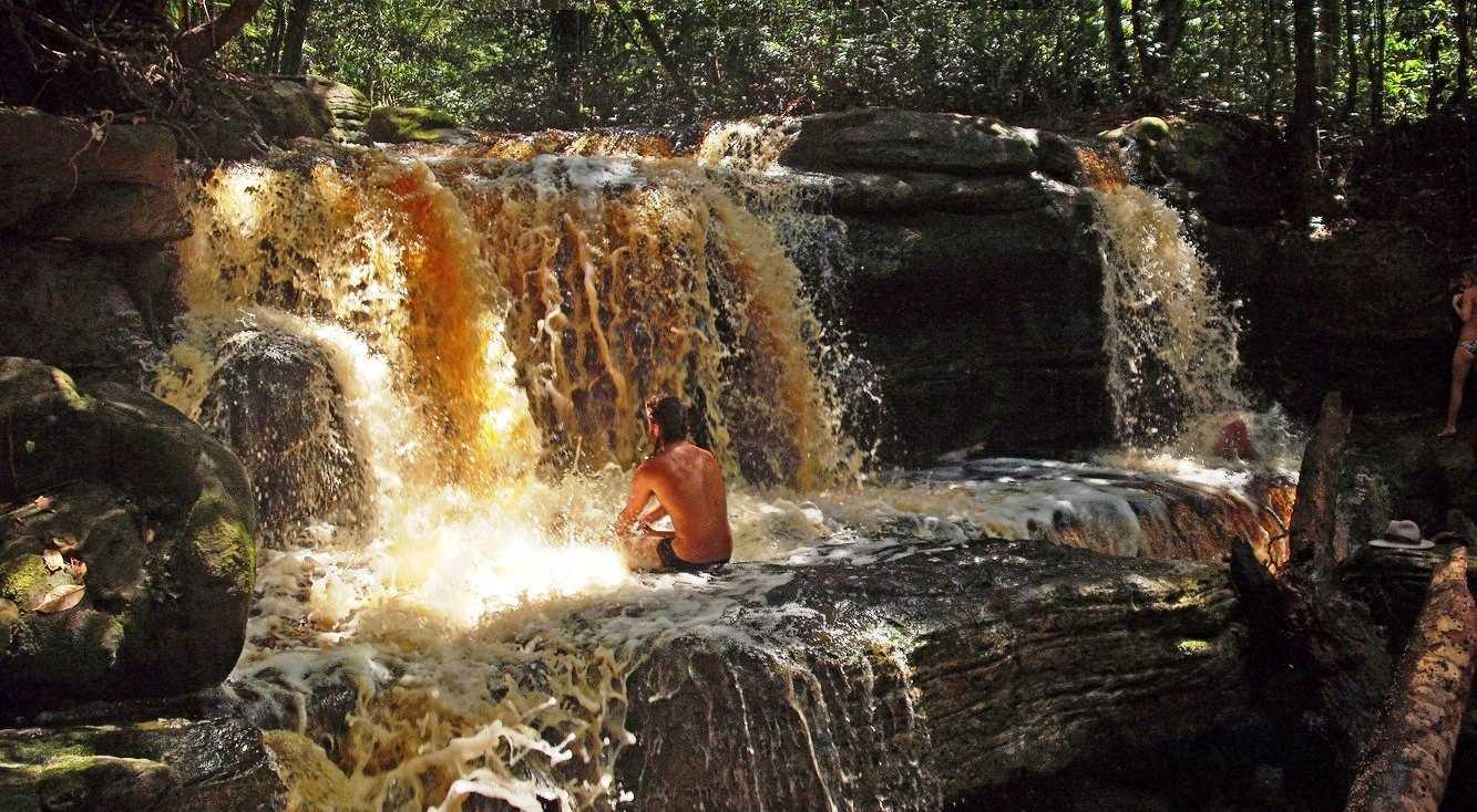 Conheça a Cachoeira do São Domingo / Foto : Expedição Katerre