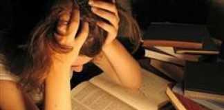 A elaboração de um trabalho de conclusão de curso (TCC) – também chamado de Monografia, não é mais requisito obrigatório para a colação de grau em cursos de graduação.