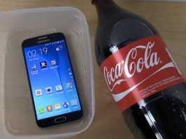 Veja o que acontece com o Galaxy S6 mergulhado em Coca-Cola - Incrível