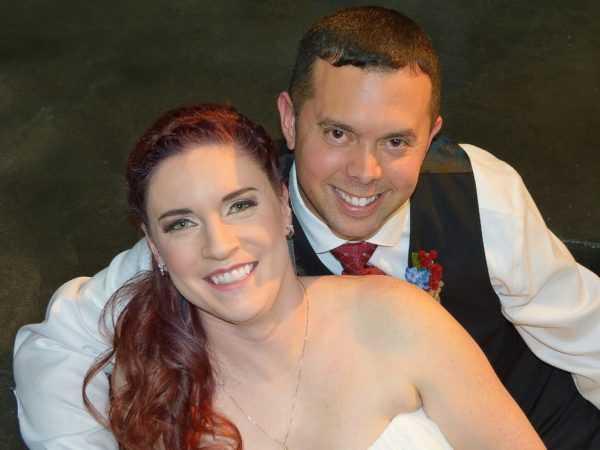 A mulher deixou seu casamento para prestar socorro Reprodução/ Facebook