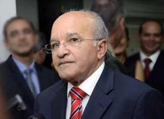 José Melo faz ameaça aos servidores com cortes de salários