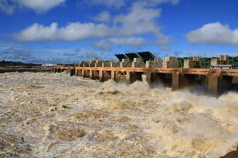As hidrelétricas de Santo Antônio e Jirau sob risco de desastre