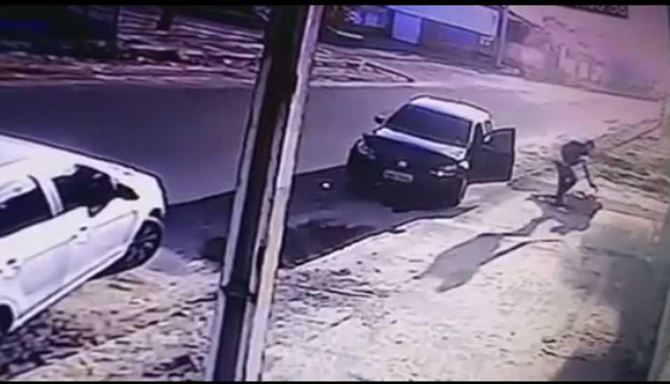 Policial é suspeito de matar dois homens e uma mulher