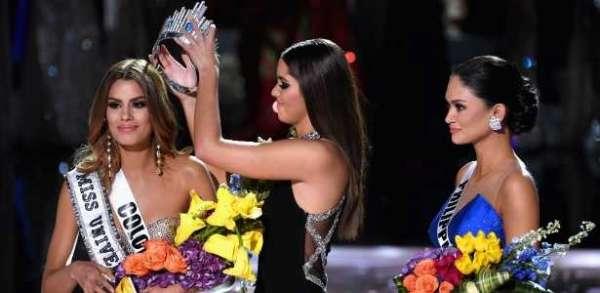 A colombiana chegou a ser coroada, mas a verdadeira eleita era a filipina