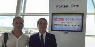Foto Divulgação: Jair Bosonaro chega à Manaus