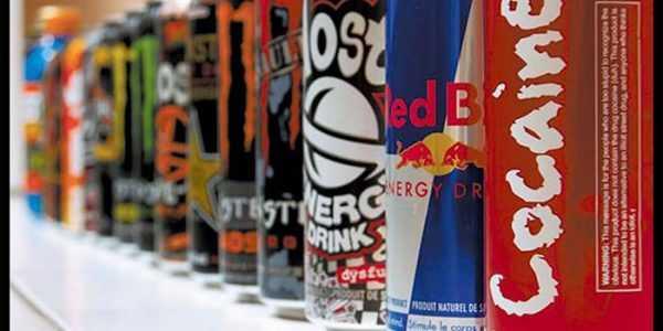 tomem cuidado com o uso excesso de bebidas energéticas. Toda aquela energia extra não vale sua vida.