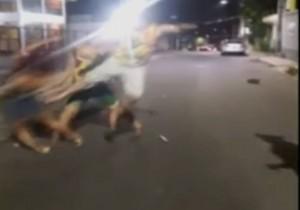 Vídeo de mulher sendo brutalmente agredida após bloco de carnaval, choca internautas