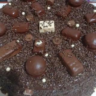 Especial de Páscoa: Receita fácil de Bolo de Chocolate