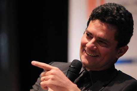 Juiz Sergio Moro divulga escutas telefonicas de LULA ouca na integra 1