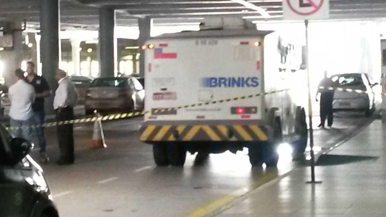 Cadáver é encontrado em estacionamento do Aeroporto Internacional de Manaus