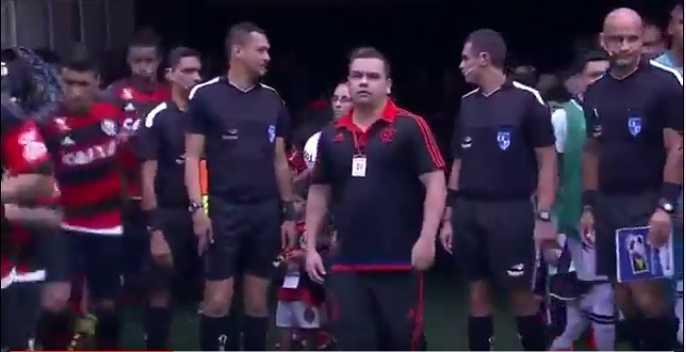 Jogadores do Flamengo quebram protocolo, desprezam crianças e decepcionam torcedores na Arena da Amazônia