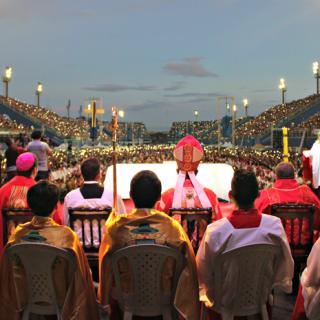 Festa de Pentecostes é celebrada por mais de 100 mil pessoas no Centro de Convenções em Manaus