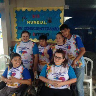 Escola Especial realiza Brechó Beneficente em Manaus