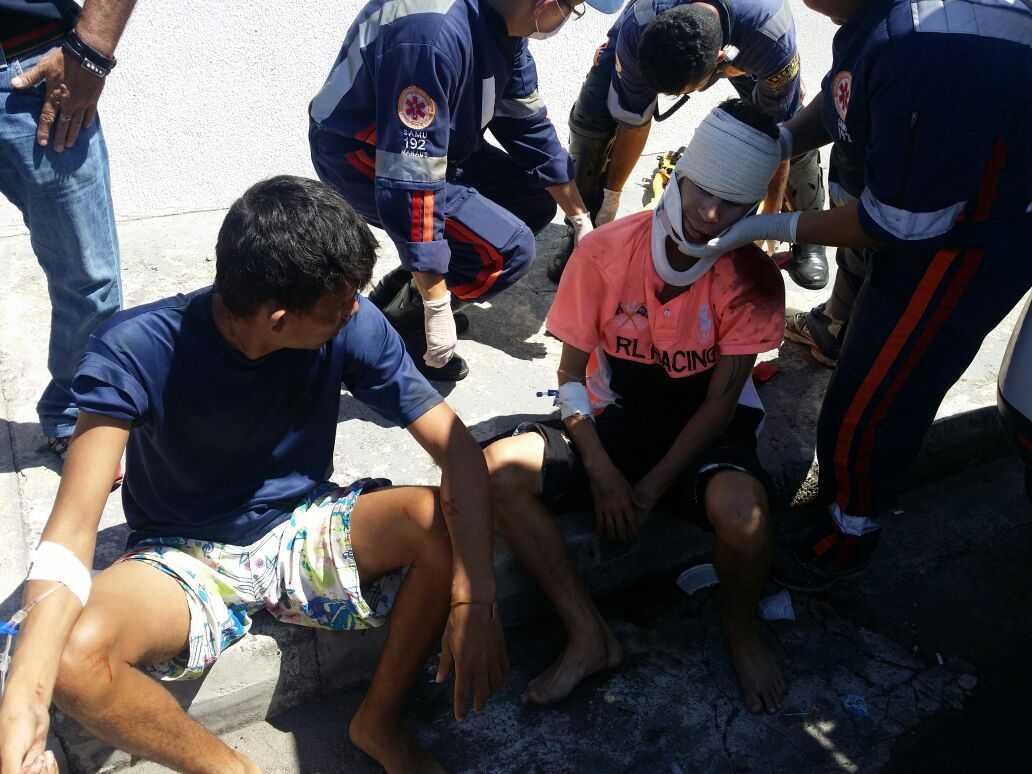 Ladroes assaltam Cursinho no Centro, tentam fugir e são detidos pela população