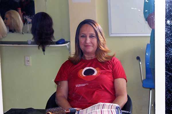 curso com técnicas de alisamento no Centro Técnico para Profissionais de Beleza Jane Coiffeur