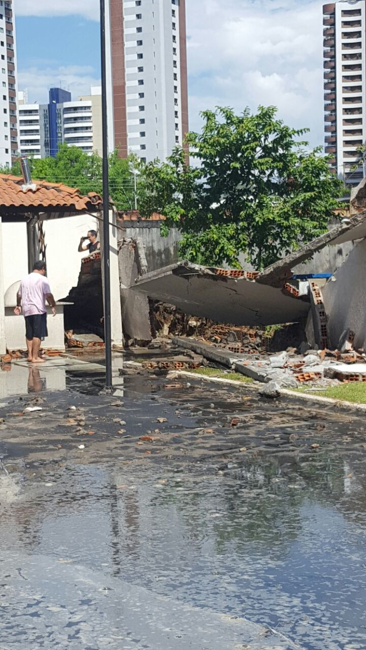 Explosao de fossa causa desmoronamento e deixa feridos em condominio de luxo (2)