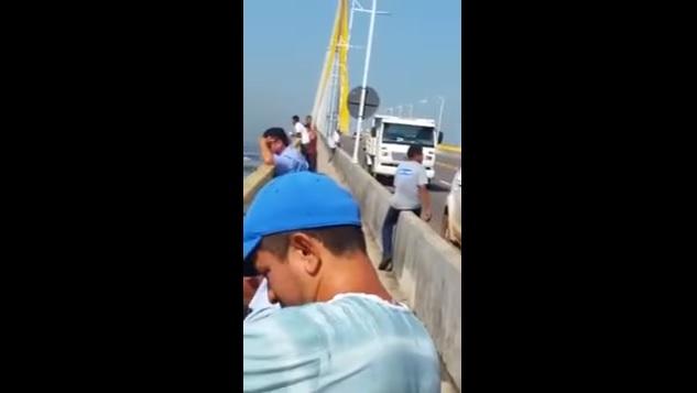 Mulher comete suicídio na Ponte do Rio negro, na manhã desta sexta-feira