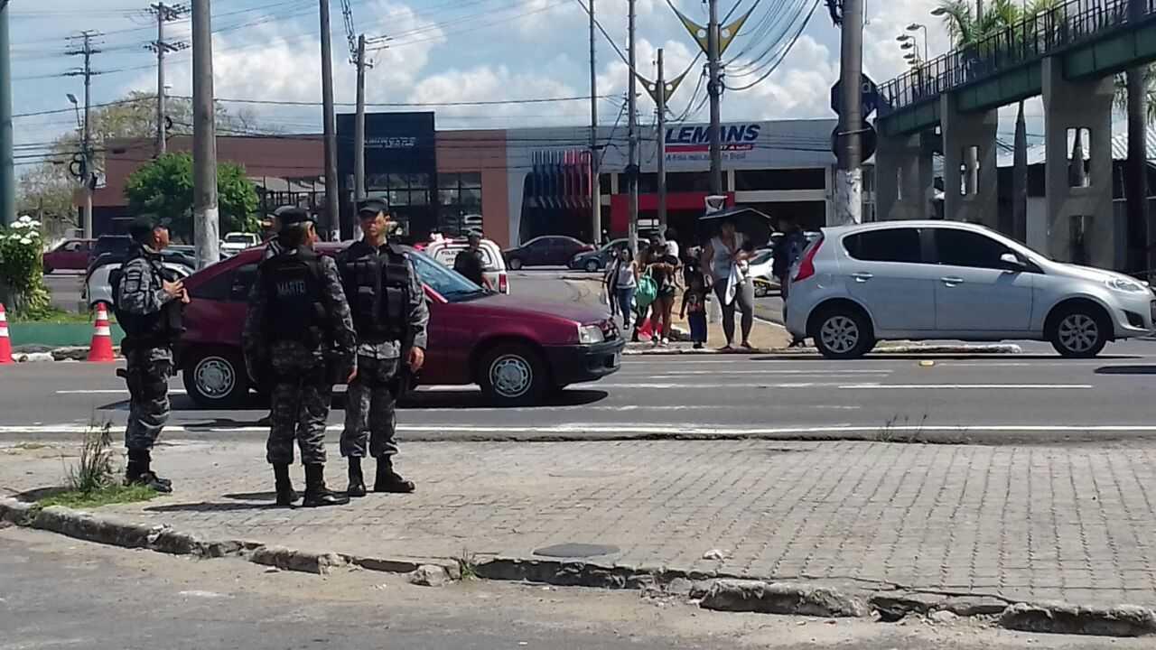 Suspeita de bomba na passarela em frente ao Carrefour de Flores em Manaus / Imagem de divulgação