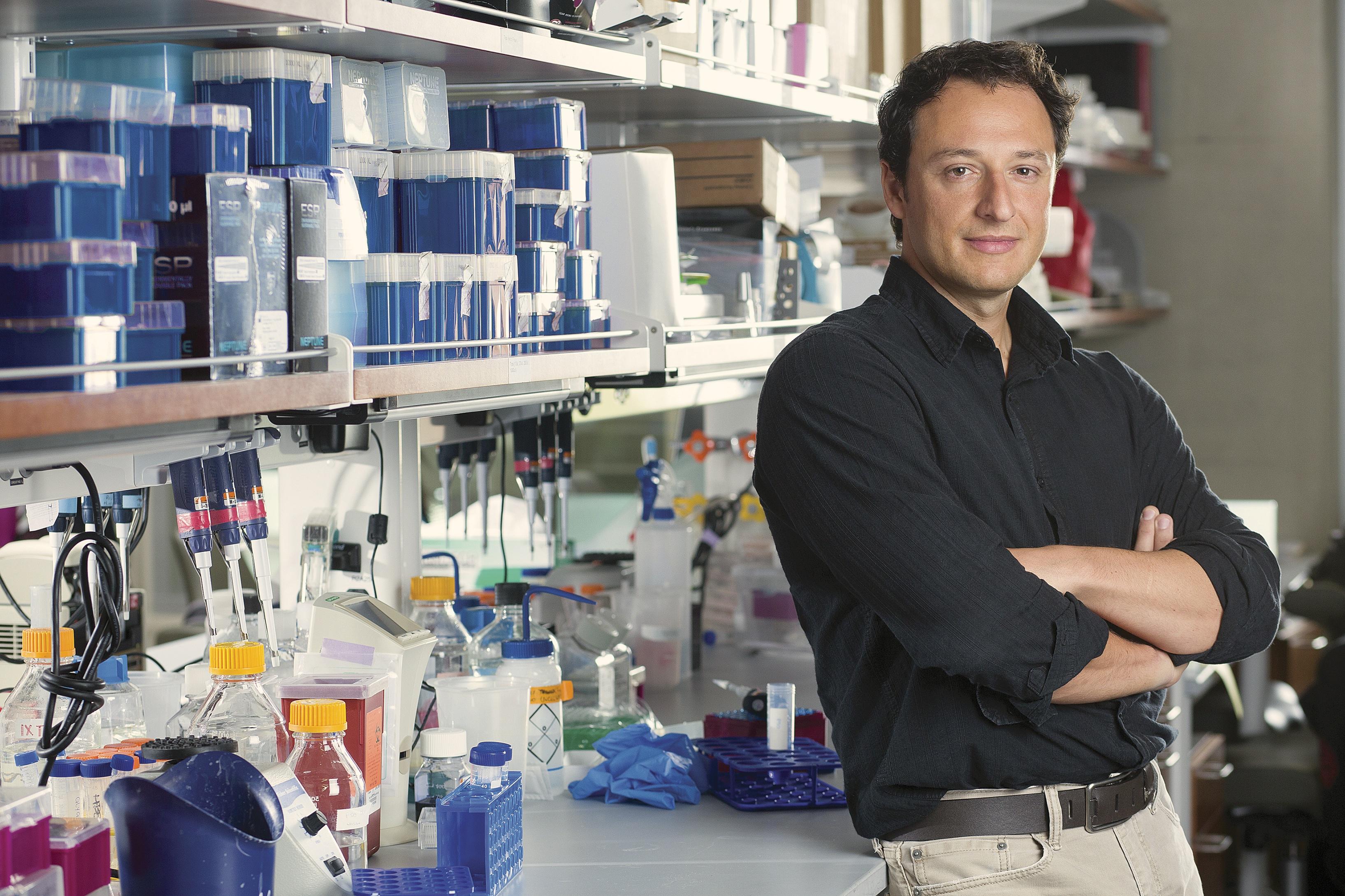 Alysson Renato Muotri é um biólogo brasileiro. É pesquisador do Instituto Salk para Estudos Biológicos, em La Jolla, San Diego, Califórnia, onde realiza pós-doutorado em Neurociências