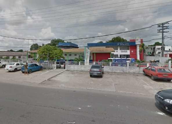Homens armados invadem terminal de ônibus e sequestram motorista