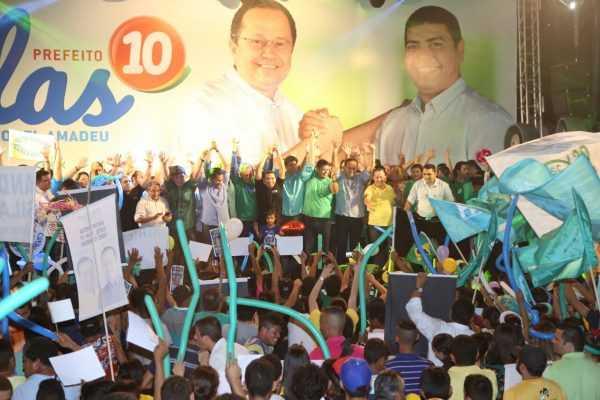 Com toda a família presente na Convenção Partidária, o candidato agradeceu a Deus e disse que representa a vontade do povo