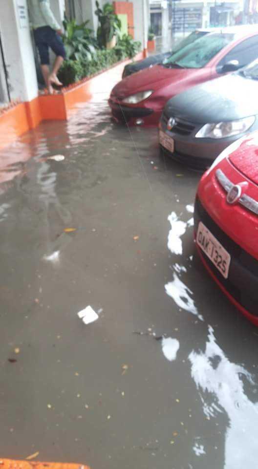 Temporal causa alagamentos em diversas áreas de Manaus (4)
