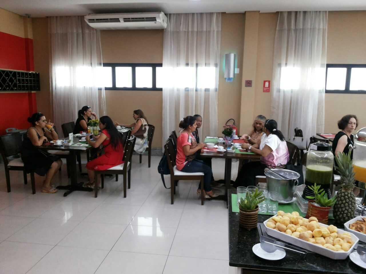 Chá da tarde oferrecido pela Natura em homenagem a consultoras por tempo de atividade em Manaus