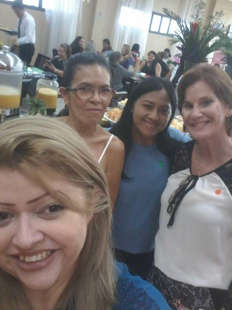Ana Maria Melo (Jussara Melo) 15 anos, Zuila Rodrigues 16 anos, Ivanilde Albuquerque 20 anos e Neide Fugolari 10 anos