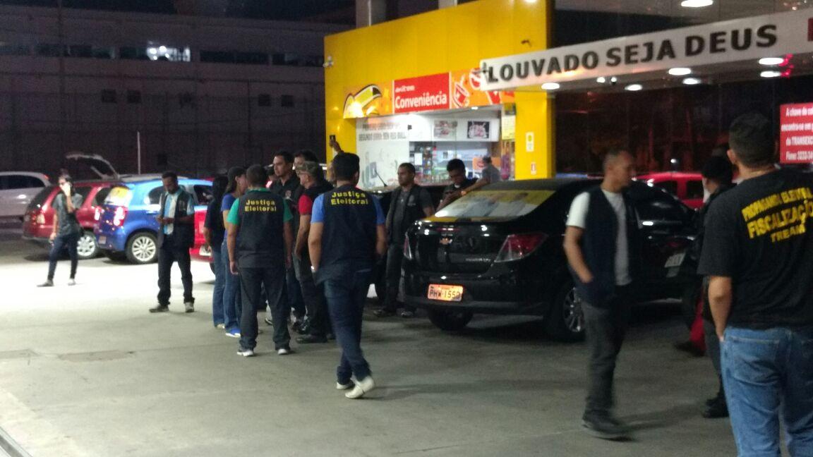 Polícia Federal fecha posto de gasolina por denúncia de compra de voto