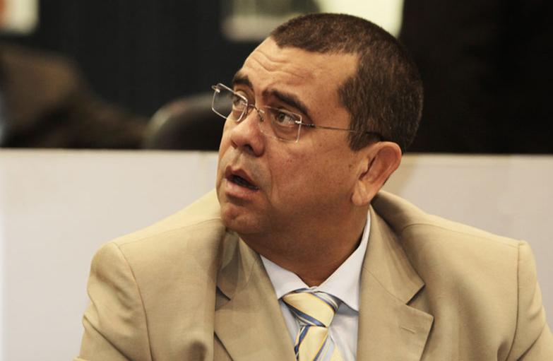 Vereador Arlindo Jr anuncia estar com câncer