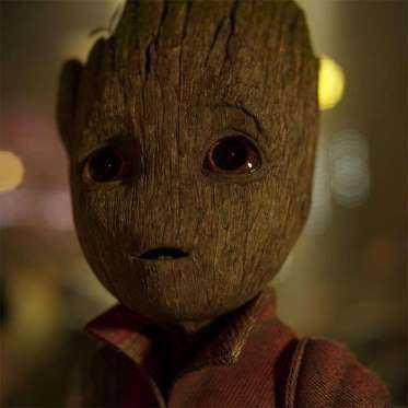 Desde o sucesso do primeiro filme os fãs aguardam ansiosamente a estreia de Guardiões da Galáxia Vol. 2, que chegará aos cinemas no dia 4 de maio! Dessa vez, Peter Quill quer ir atrás de suas origens para descobrir quem é seu verdadeiro pai. E, claro, veremos um baby Groot crescendo aos poucos! Como não amar?