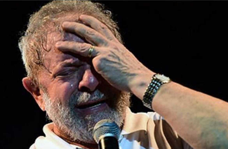 Lula é denunciado por propinas da Odebrecht