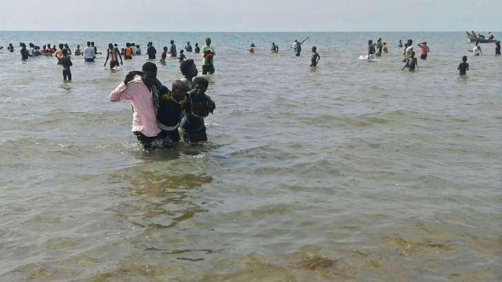 Morrem em naufrágio, jogadores e torcedores de time de Uganda - Imagem ESPN