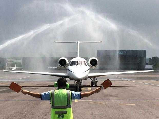 Pousa em Manaus avião com sobreviventes do acidente com a Chapecoense - Imagem de reprodução G1