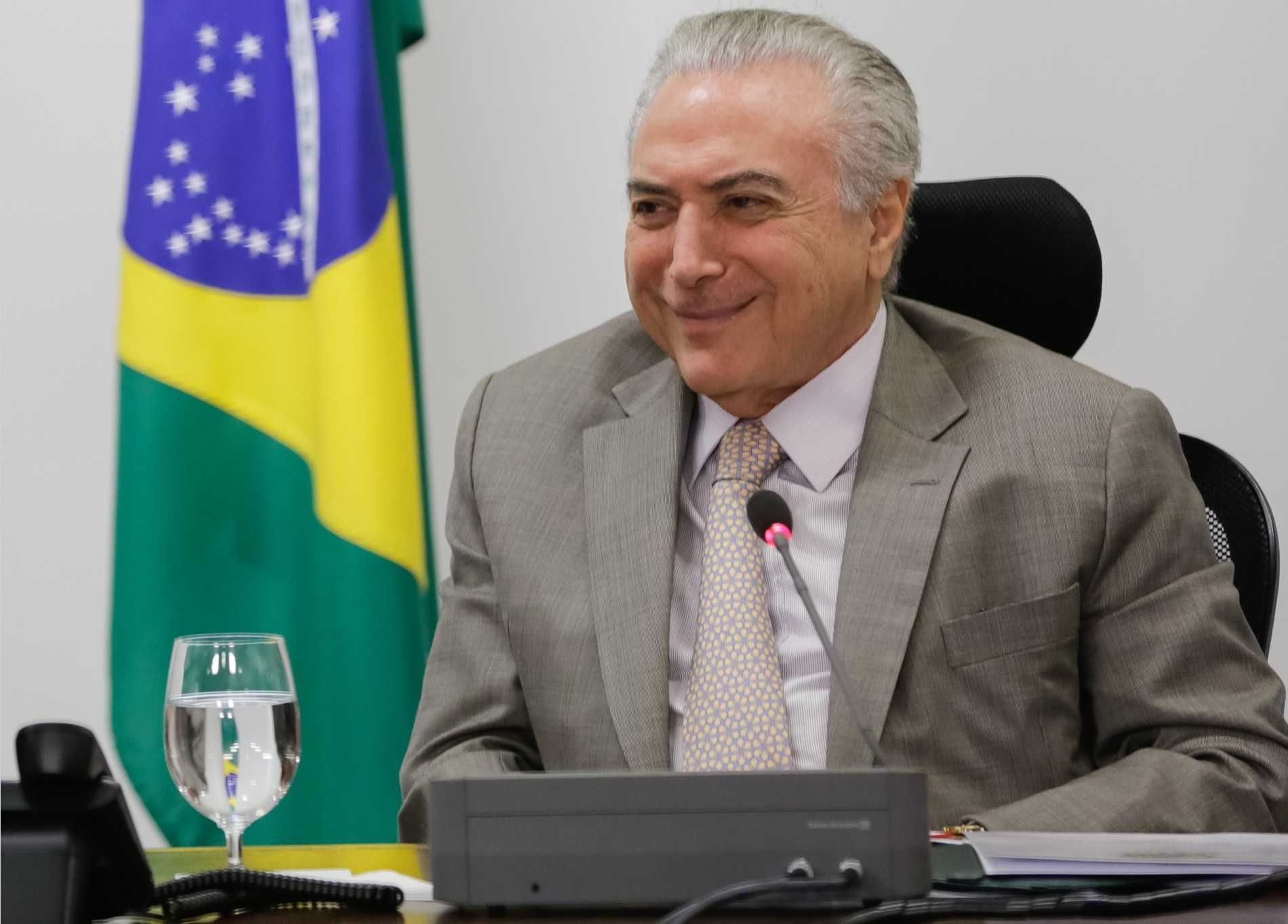 Presidente Michel Temer autoriza saque em contas inativas do FGTS