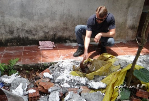 O corpo da Ladis Boeni, de 52 anos, estava coberto por concreto Foto: Catve