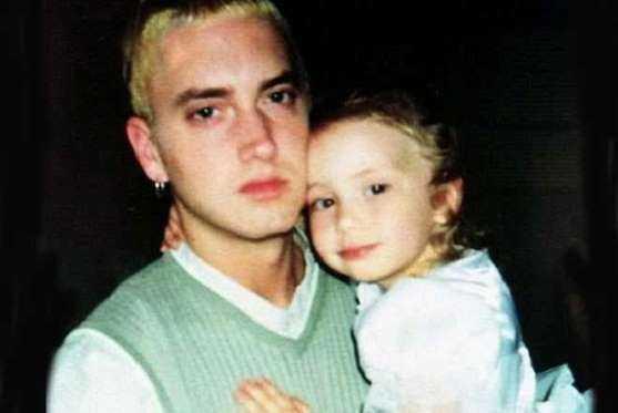 Eminem e Halie - Imagem: Msn