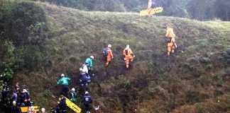 O garoto que auxiliou os bombeiros na busca pelas vítimas da queda do avião da Chapecoense. / Divulgação