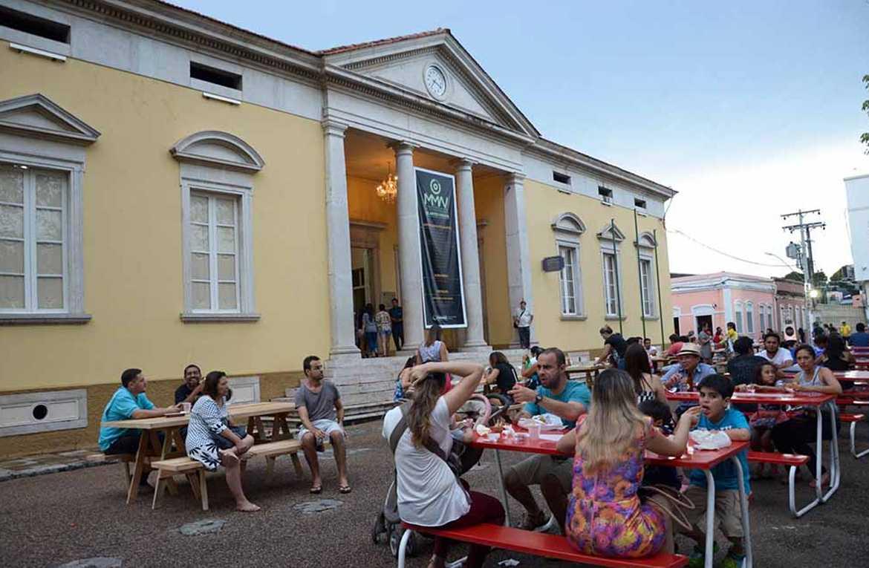 A feira foi realizada em frente ao Paço Municipal e faz parte do projeto de valorização do Centro de Manaus. Foto: Ingrid Anne/Semcom.