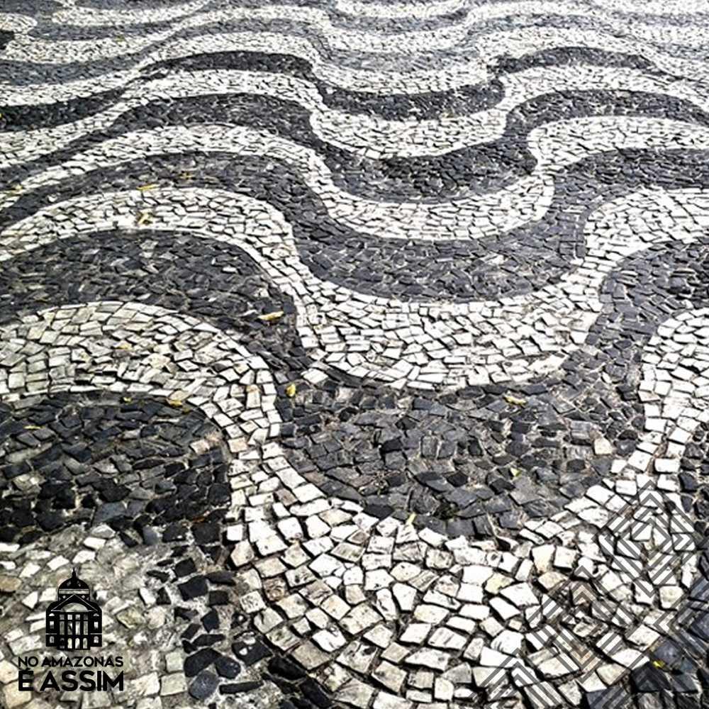 Detalhes da calçada portuguesa do Largo São Sebastião em Manaus / Foto : Marcus Pessoa